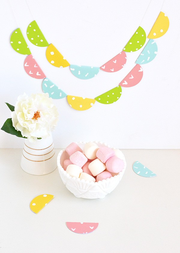 Paint Chip Garland | How to make a birthday banner or garland. DIY Craft ideas using Paint Chips | TodaysCreativeLife.com