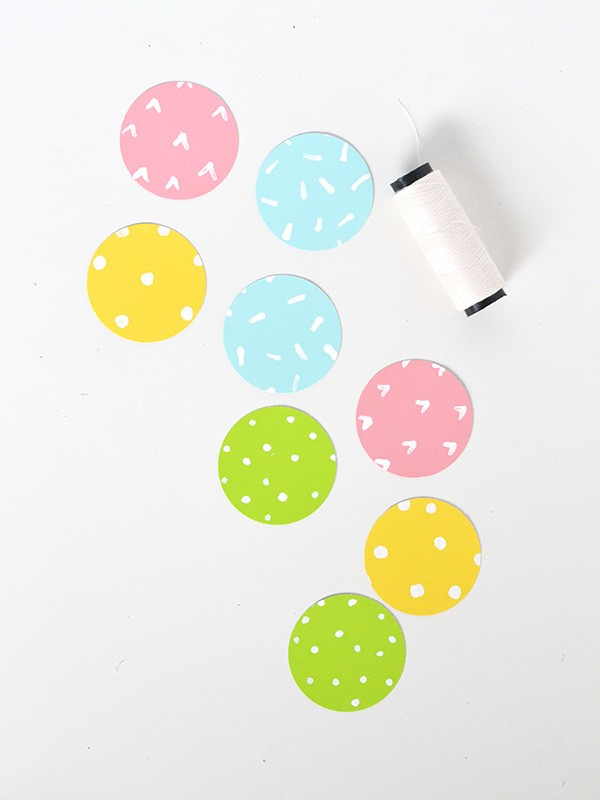 Paint Chip Garland | TodaysCreativeblog.net