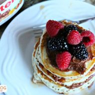Pancakes with Chocolate Hazelnut Spread | TodaysCreativeblog.net