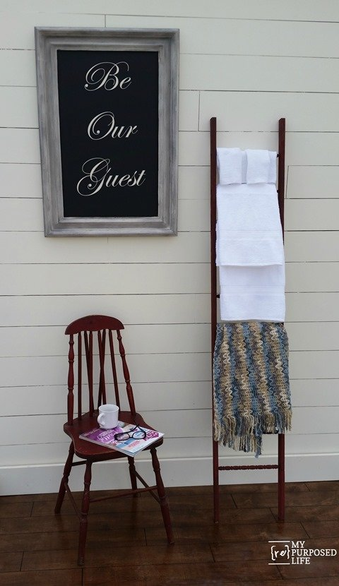 Old Wood Spindles Idea | Blanket Ladder | TodaysCreativeBlog.net