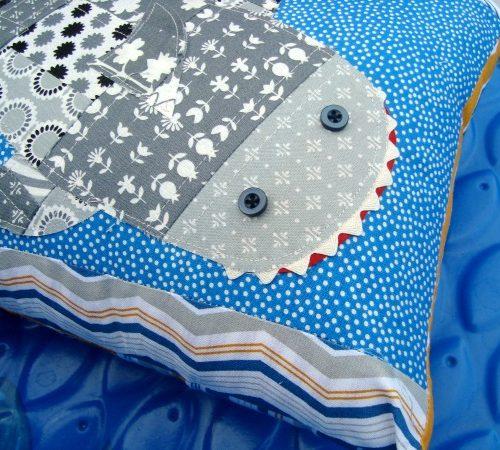 DIY Shark Pillow | TodaysCreativeBlog.net