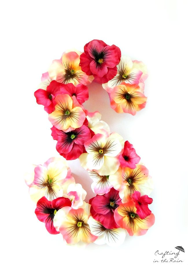 DIY Flower Covered Letters | TodaysCreativeBlog.net