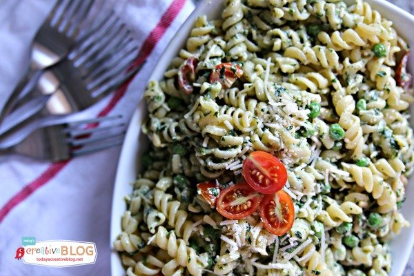 Pesto Pea Pasta Salad Recipe| Find more side dish recipes on TodaysCreativeBlog.net