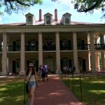 Family Friendly Ideas for New Orleans | Oak Alley Plantation | TodaysCreativeLife.com