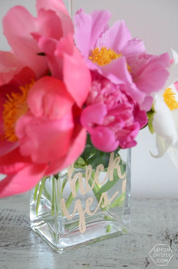 DIY Glittered Vase | Cricut Explore DIY Project | See more creative ideas on TodaysCreativeLife.com