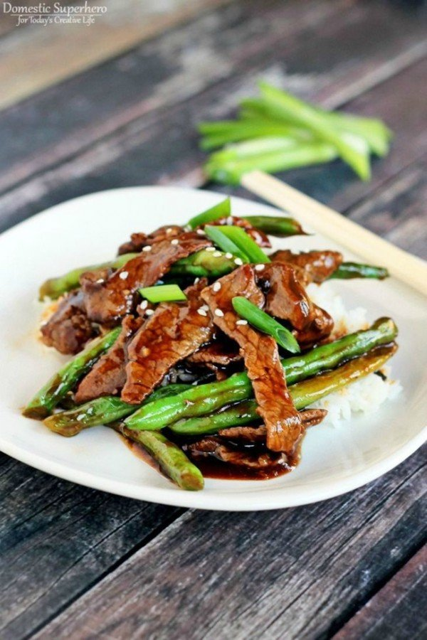 Chinese Beef Green Beans Stir Fry | This quick and easy Asian beef and green bean stir fry dish is healthy and delicious. It will be a quickly become a family favorite! See recipe on TodaysCreativeLife.com