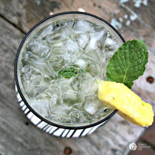 Summer Entertaining | Pineapple Mint Paradise Cocktail Recipe |How to Supply a Drink Cart |See more recipes on TodaysCreativeLife.com