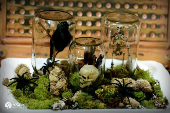 Halloween Spirit DIY Halloween Decorations | See more on TodaysCreativeLife.com