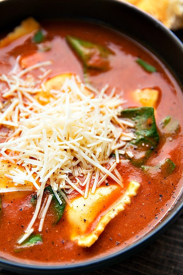 Slow Cooker Tomato Basil Ravioli Soup