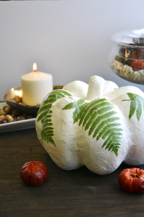 Use+chalk+paint+on+a+paper+mache+pumpkin!+From+boxwoodavenue
