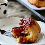 Pumpkin Spice Monkey Bread | This pull apart bread with butterscotch pudding and pumpkin spice is the perfect breakfast recipe idea for holiday brunch or any weekend. More Fall Recipes on TodaysCreativeLife.com
