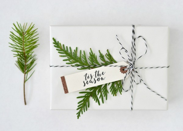 diy holiday gift tags \ todaysCreativelife.com