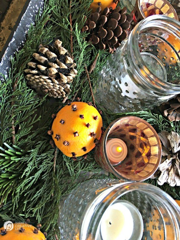 Orange Clove christmas Centerpiece | TodaysCreativeLife.com
