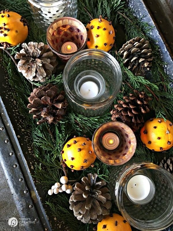 Orange and Clove Holiday Centerpiece by TodaysCreativeLife.com