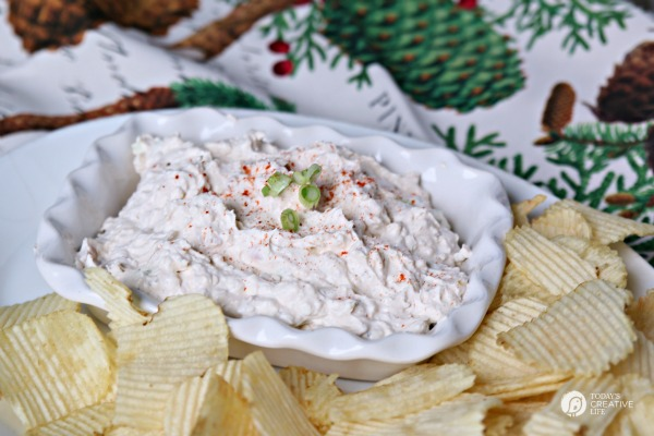 Clam Dip Recipe | Homemade clam dip is your perfect party dip! See the recipe on TodaysCreativeLife.com