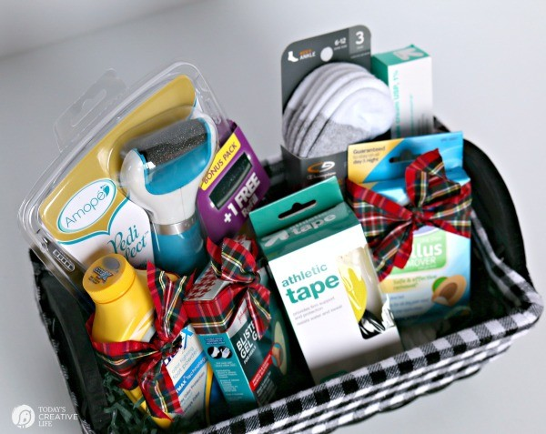 Sports Feet Gift Basket | This makes the perfect gift for the sports guy in your home! Those feet can get pretty nasty without proper care! This Gift Basket for Men is unique and functional! See more on TodaysCreativeLife.com