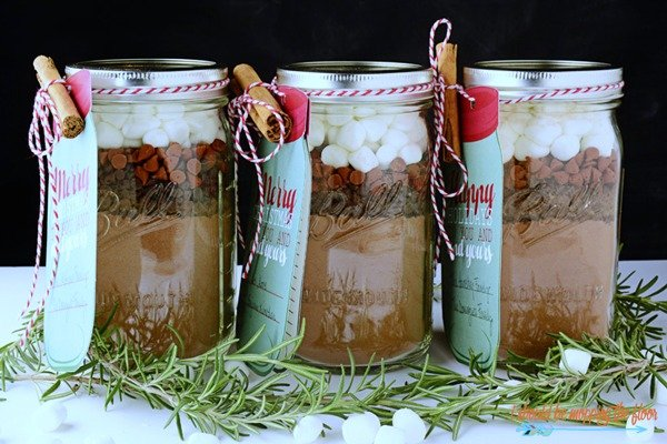 Spicy Mexican Hot Cocoa Mason Jar Gift by Kristi at I Should Be Mopping the Floor for The Creative Girls Holiday Soiree. This mason jar gift idea is the perfect gift from the kitchen. Great for neighbor gifts, teacher gifts or anyone! Get the recipe on TodaysCreativeLife.com