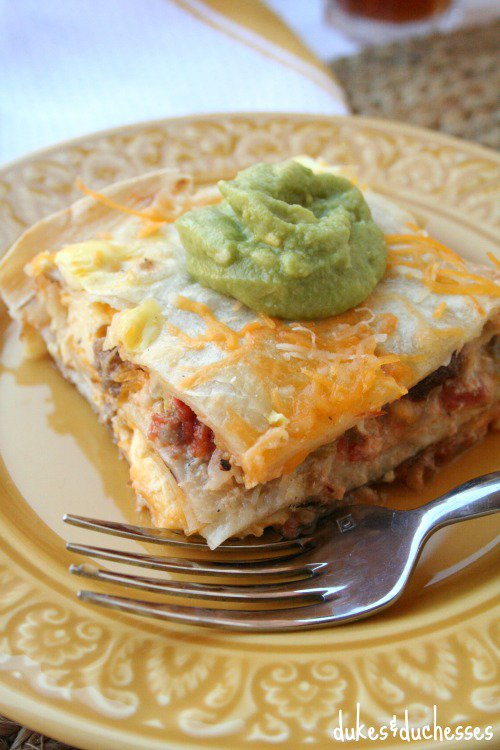 Mexican Breakfast Casserole from http://dukesandduchesses.com