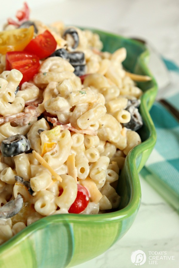 Bacon Ranch Pasta Salad | TodaysCreativeLife.com