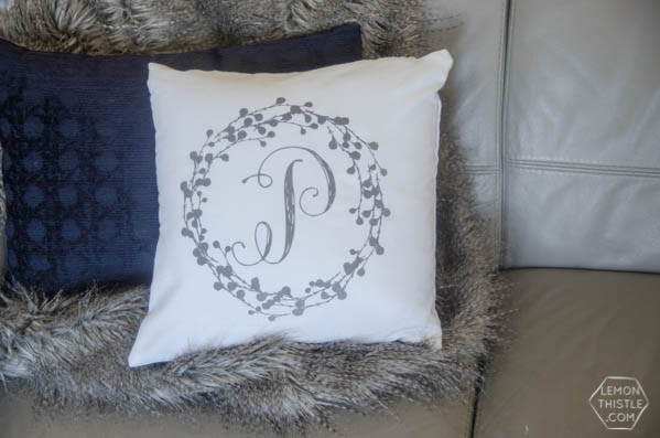 DIY Monogram Pillow Tutorial|Create diy decor using your Cricut Explore and heat transfer Iron On Flocked Vinyl. Sounds complicated, but it's not. Follow the tutorial on TodaysCreativelife.com