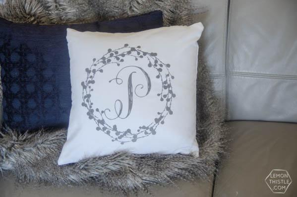 DIY Monogram Pillow Tutorial|Create diy decor using your Cricut Explore and heat transfer Iron On Flocked Vinyl. Sounds complicated, but it's not. Follow the tutorial on TodaysCreativelife.com