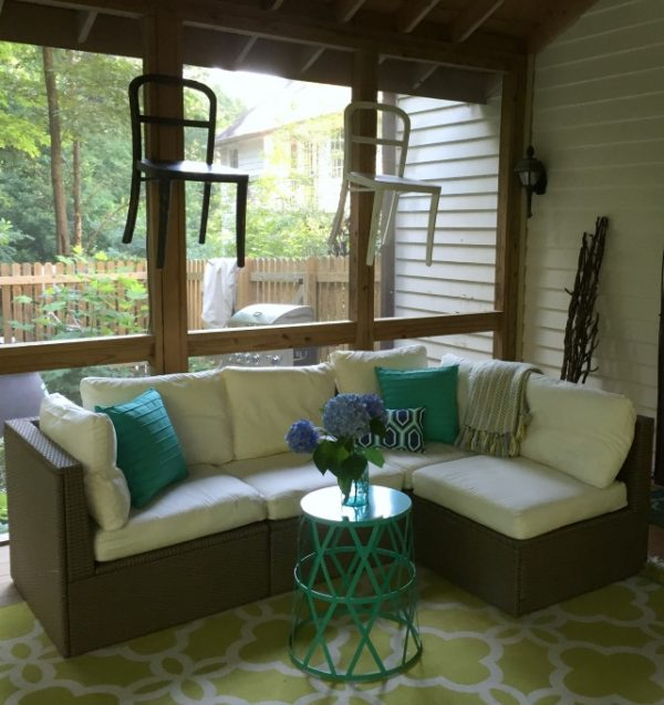 Back Porch Makeover | Create your own outdoor space with these simple ideas. Shared by Karen from Dogs Don't Eat Pizza for TodaysCreativeLife.com