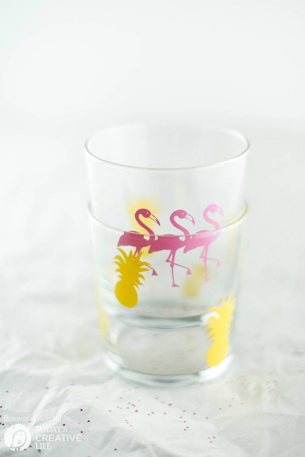 DIY Party Drinking Glasses - Flamingo & Pineapple | Create fun designs using your Cricut Explore. This easy diy craft idea makes it easy to create custom party supplies!