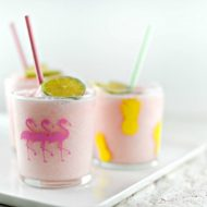 DIY Party Drinking Glasses – Flamingo & Pineapple