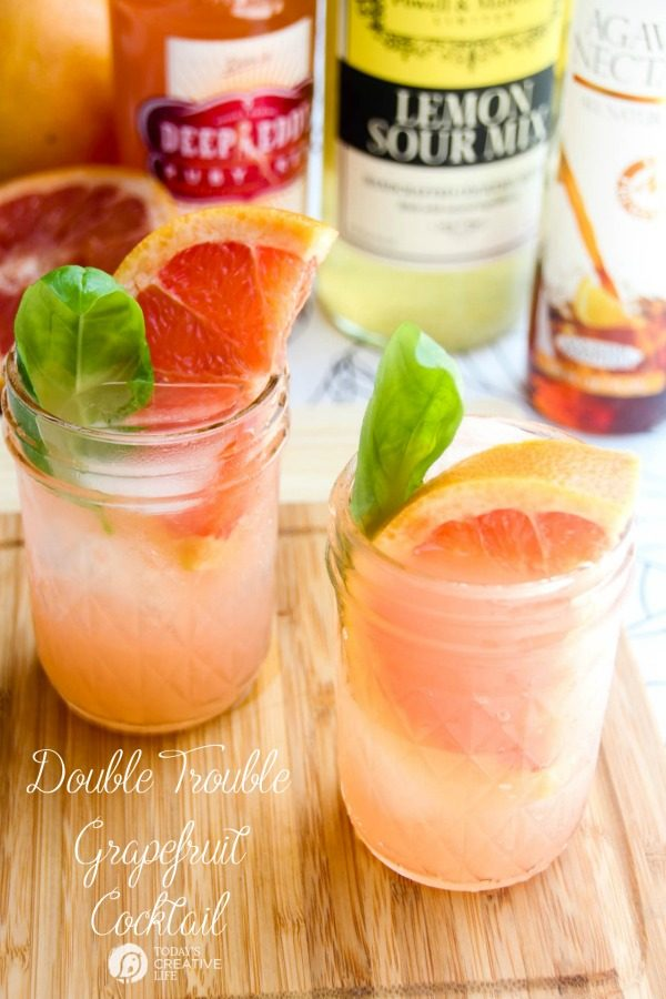 Double Trouble Grapefruit Cocktail | This refreshing summer cocktail is your go to fruity drink for those warm summer days. Find the recipe on TodaysCreativeLife.com