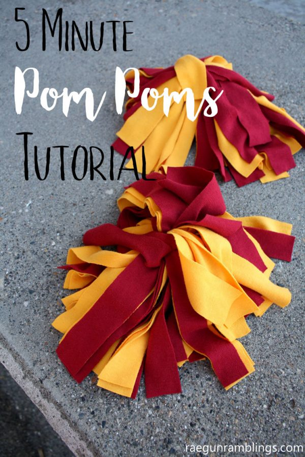 DIY Pom Poms | Follow this tutorial to make 5 minute pom poms. Everyone wants a pair of pom poms to play with! See more on TodaysCreativeLife.com
