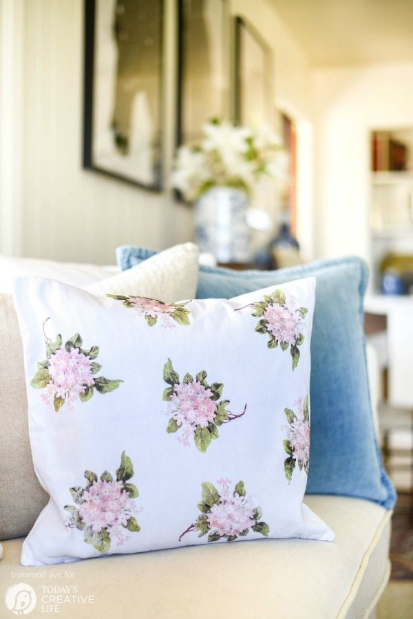 Diy Home Decor Hydrangea Pillow By Boxwood Ave For Today S Creative Life Create Your Own