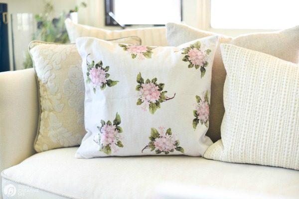 Diy Home Decor Hydrangea Throw Pillow Today S Creative Life