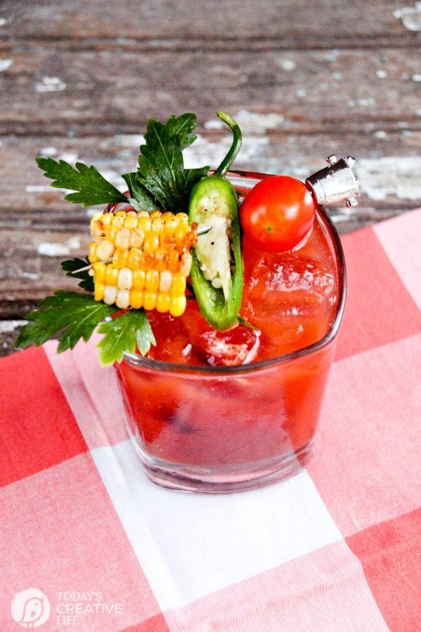 Garden Fresh Bloody Mary | This bloody mary recipe is like a meal in a cocktail. Great for a summer cocktail, brunch cocktail or maybe even a holiday cocktail. Find it on TodaysCreativeLife