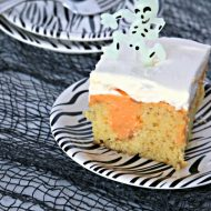 Dream Scream Poke Cake with TruMoo DreamScream Orange Milk. Find the recipe on Today's Creative Life. Just click the photo.