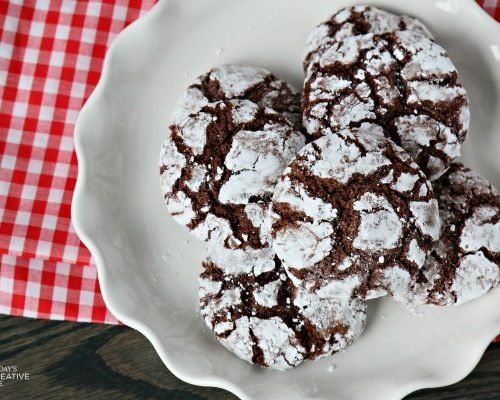 Chocolate Crinkle Cookies | This cookie recipe is great year round, but makes a perfect Christmas cookie! Click for the recipe on Today's Creative Life.