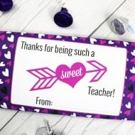 Valentines Candy Bar Wrappers | Download your Free printable Valentine idea for Valentine's Day. There's even one for the classroom teacher. Designed by UrbanBlissLife for Today's Creative Life.