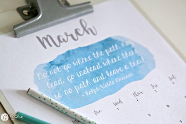 March 2017 Printable Calendar | Free 2017 printable monthly calendar. Grab your free download copy on TodaysCreativeLife.com