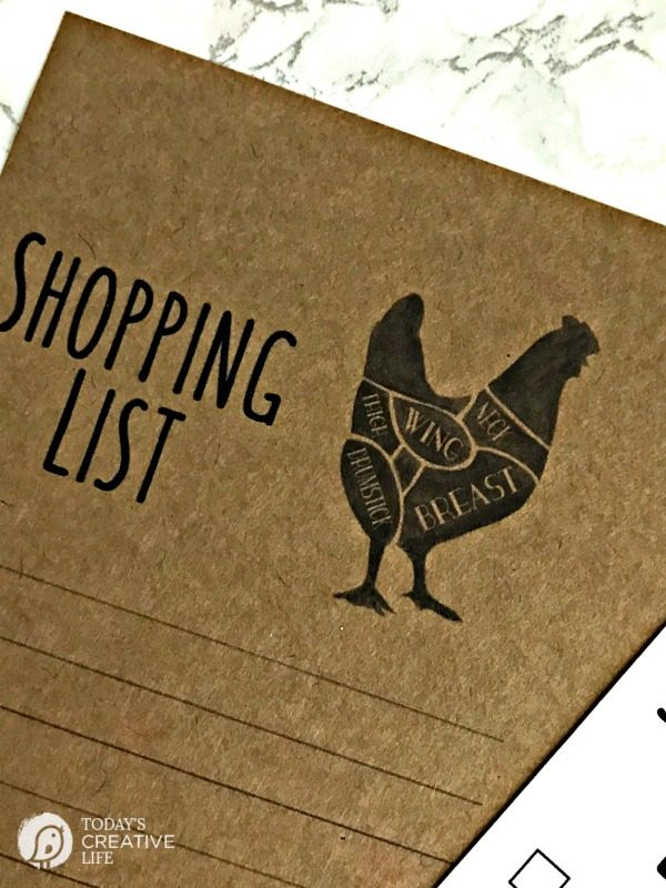 Grocery List Free Printable | This modern farmhouse printable shopping list looks as stylish as it is functional! Grab your free grocery list template on TodaysCreativeLife.com Just click the photo.