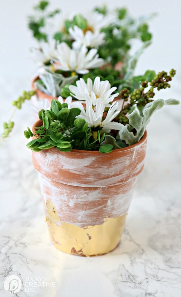 White Washed Gold Leaf Flower Pots | TodaysCreativeLife.com
