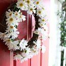 DIY Daisy Wreath Tutorial