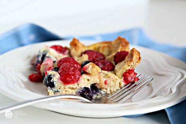 French Toast Casserole | The Mixed Berry French Toast Casserole Recipe makes a delicious breakfast or brunch idea. Click the photo for the recipe. TodaysCreativeLife.com