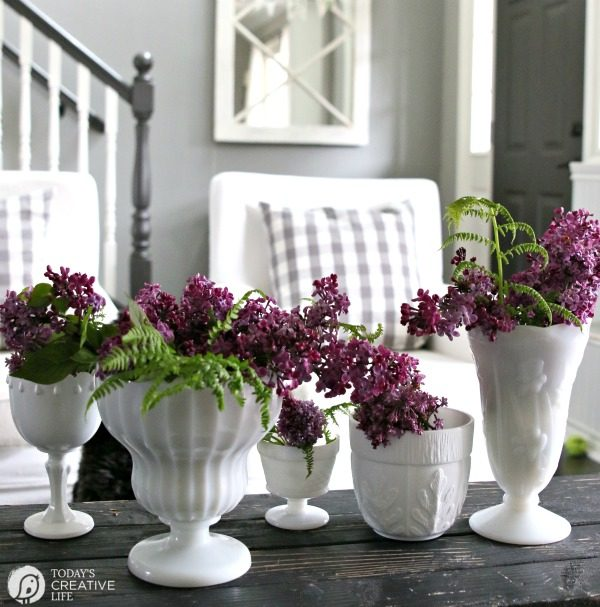 DIY Spring Decor | Fast and easy home decorating for spring! Simple ideas for stylish decor. Click the photo to see more! TodaysCreativeLife.com