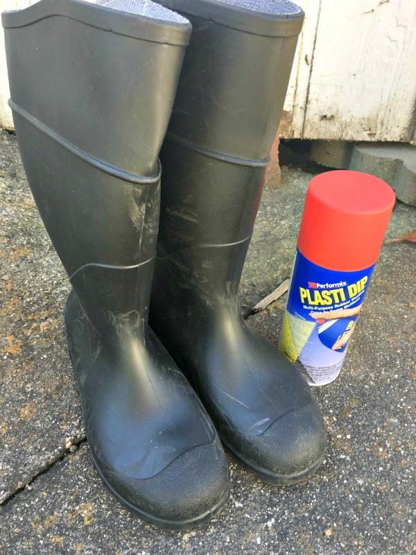DIY Thrifted Rain Boots Porch Decor | How to Paint Rubber Boots | Salvage Sister and Mister for TodaysCreativeLife.com