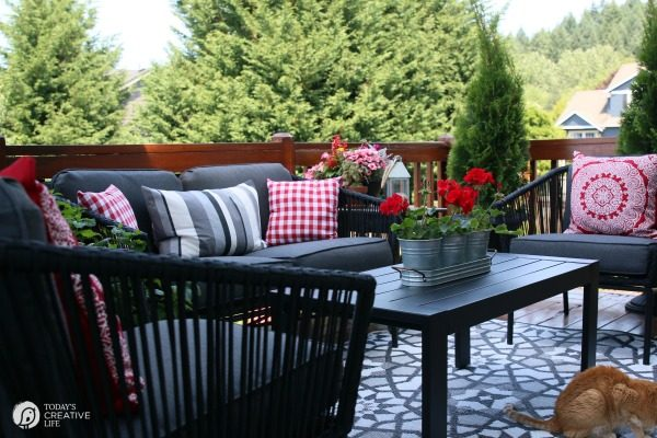 Delicieux Small Patio Decorating Ideas