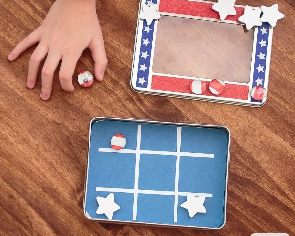 Magnetic Travel Tic Tac Toe Game