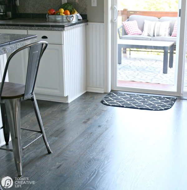 Natural ways to deodorize your home today 39 s creative life Deep clean wood floors