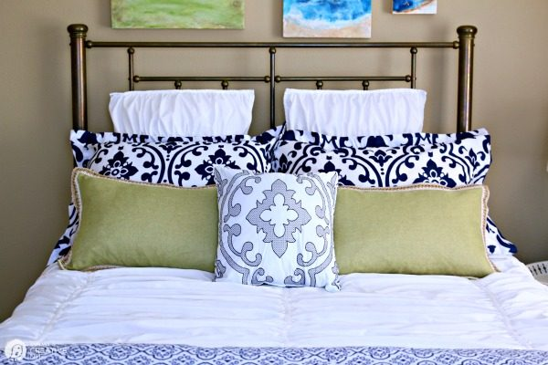 Guest Bedroom Makeover on a Budget | TodaysCreativeLife.com