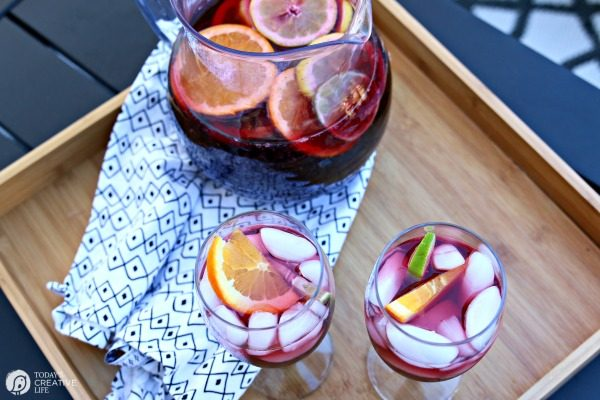 Spanish Sangria Recipe by TodaysCreativeLife.com