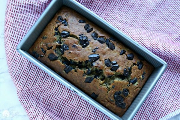 Buttermilk Banana Bread Recipe with Chocolate Chips | TodaysCreativeLife.com