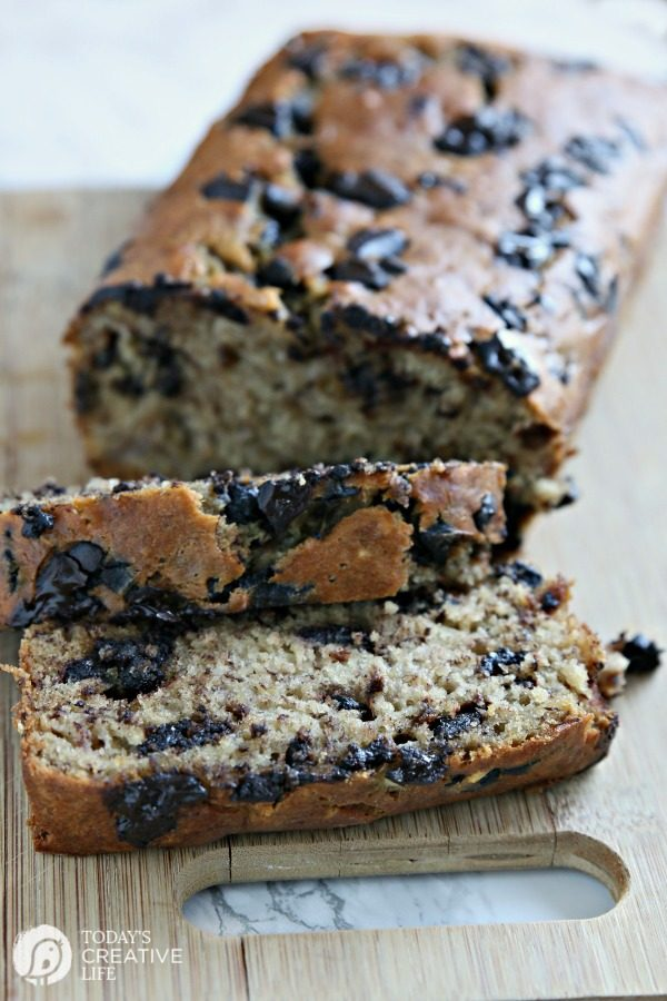 Buttermilk Banana Bread with Chocolate Chips or Chocolate Chunks | easy banana bread recipe. Moist banana bread | TodaysCreativeLife.com